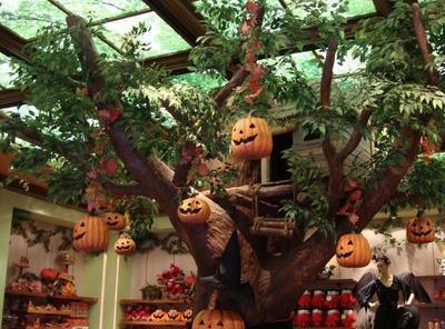 halloween-shop.jpg